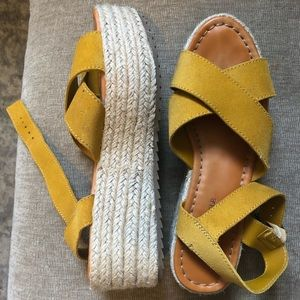 American Eagle yellow platform sandals